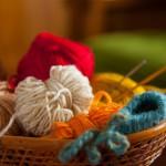 愛犬に手編みのセーターを!おすすめの手芸本と毛糸の選び方、お洗濯のコツ。