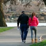 愛犬の冬のお散歩で気を付けたいこと、オススメすすめの防寒グッズとケアアイテム