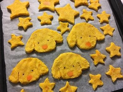 成型したクッキー生地