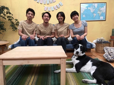 犬と猫と暮らす日本人ご夫婦