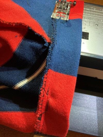 袖部分を本体に縫い付ける