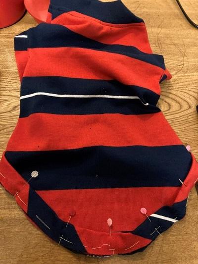 バイアステープを裾に縫い付ける