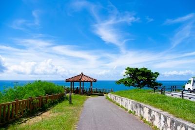 知念岬と沖縄の海